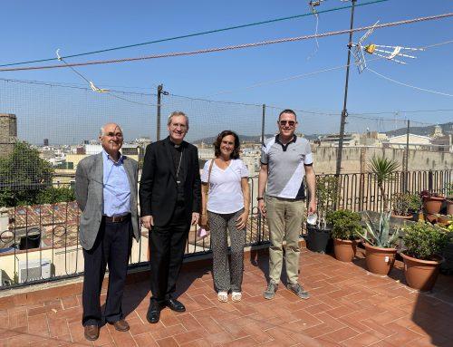 Mons. Vilanova visita el Centre Català de Solidaritat (CECAS)
